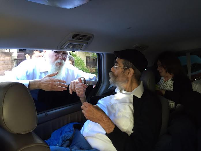 "Rabbi Ceitlin z""l Speaks With Rabbi Lider"